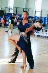 演藝科王柏銘勇奪馬來西亞國標舞公開賽拉丁舞第一名