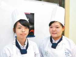 恭禧餐飲科同學參加103綠色餐飲廚藝競賽獲得冠軍