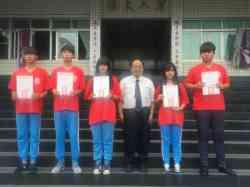 晨間獻獎~醒獅團參加105學年度全國中華盃舞龍舞獅錦標賽榮獲第二名